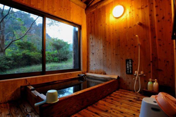 貸切風呂でのんびりと景色をカップルで楽しめる岩手の日帰り温泉